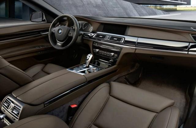 2017-BMW-X7-interior.jpg