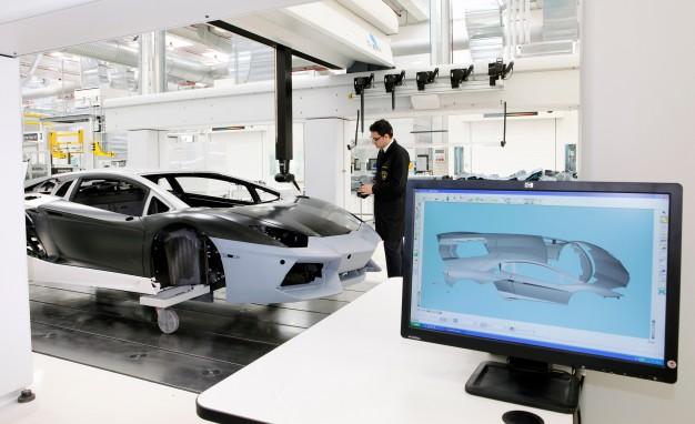 Lamborghini's New Carbon Fiber Pic 2.jpg